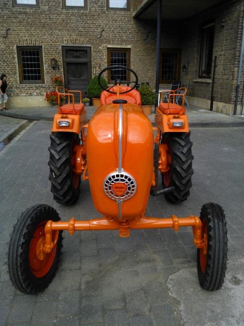 Traktor neu
